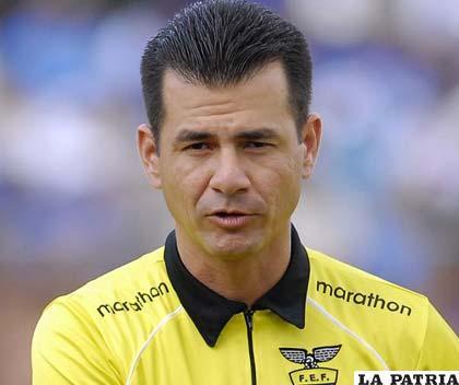Carlos Vera, �rbitro ecuatoriano