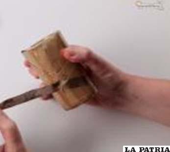 PASO 5 Cuando la pintura haya secado, retira toda la cinta aislante que hab�as pegado en el vaso