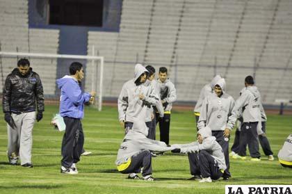 """Los """"santos"""" anoche entrenaron en el estadio """"Jesús Bermúdez"""""""