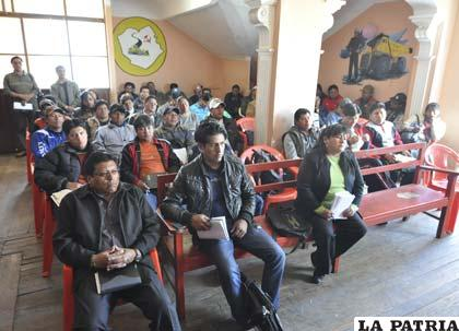 Trabajadores radicalizan sus medidas pidiendo la abrogación de la Ley 045