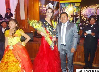 Morenada Central Oruro proclamó como su Predilecta a Andrea Gutiérrez