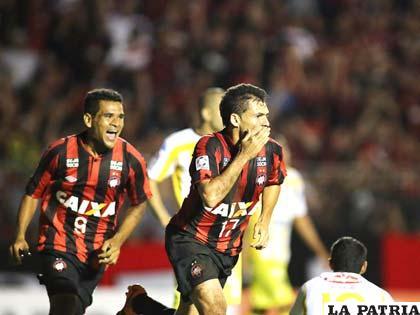 Paulo Dias anotó el único gol del encuentro