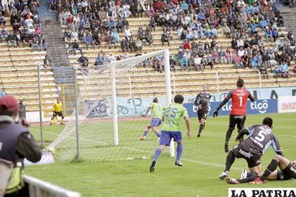 El gol anotado por Carlos Neumann, fue el único del partido