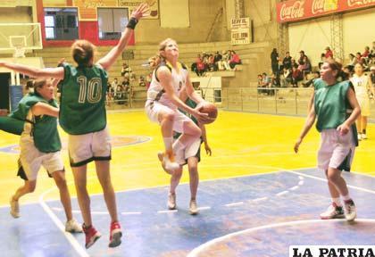 Romina Rodríguez fue la mejor jugadora de Alemán