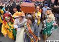 Con el entierro del pepino finalizó el carnaval paceño