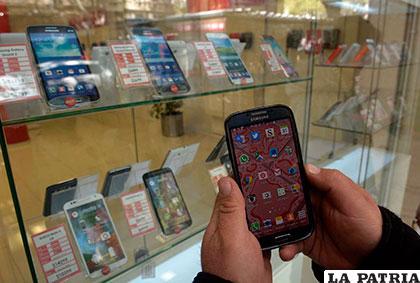 Los aranceles para celulares se incrementaron y no se descarta la subida de precio /LOSANDES.COM.AR