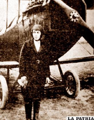 Amalia y su pasión por los aviones /PAGINASIETE.BO