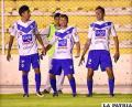 Torrico, Gomes y Barrera, celebran el gol convertido para los