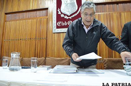 Eduardo Barrios presentó toda la documentación respecto a la