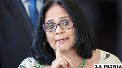 La ministra dijo que la violencia contra la mujer en Brasil es una