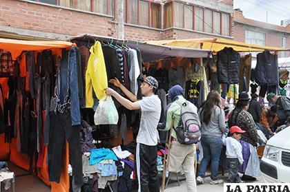La venta de ropa usada continúa en diferentes centros de abasto/LA PATRIA ARCHIVO