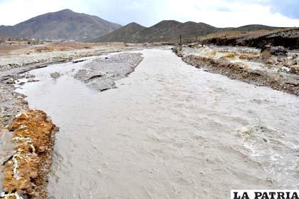 Río Huanuni afectó a comunidades de Machacamarca /LA PATRIA /Archivo