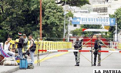 El Gobierno ordenó el cierre de la frontera con Colombia por supuestas