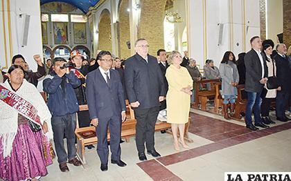 Algunos embajadores que llegaron el 5 de octubre volverán a visitar Oruro para el Carnaval /LA PATRIA /ARCHIVO