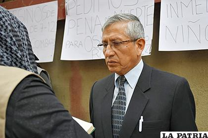 El abogado de la familia de las víctimas a la conclusión de la audiencia  /LA PATRIA