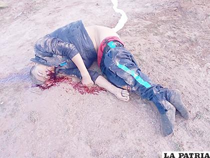 La víctima que perdió la vida en el lugar del accidente /LA PATRIA