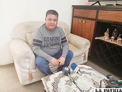 Wilson Martínez ofreció una conferencia de prensa en su domicilio / LA PATRIA