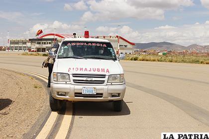 Varias ambulancias estarán disponibles en caso de presentarse casos sospechosos /LA PATRIA