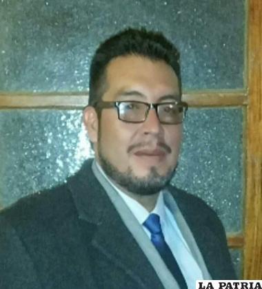 El escritor orureño, Edgar Sandoval /LA PATRIA