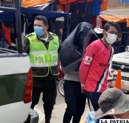 Ambos conductores fueron arrestados para fines investigativos /LA PATRIA