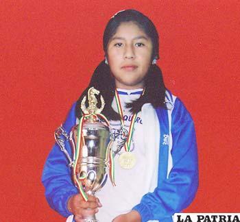 La orureña Claudia Apaza fue la más destacada en el nacional de Ajedrez categoría Sub-14