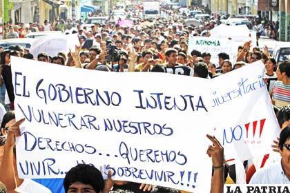 Universitarios lamentan que normas impulsadas por el Gobierno busquen controlar la administración autónoma