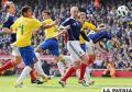 Brasileño Neymar castiga a Escocia y demuestra su prometedor futuro