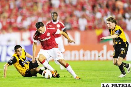 Leandro Damiao anotó tres goles