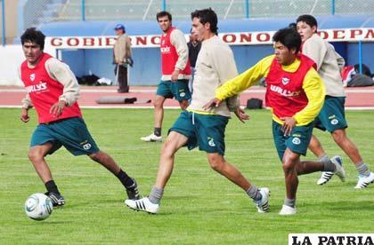 Herrera y Parrado serán titulares en San José