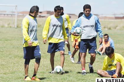 Los integrantes de San José ayer entrenaron en su escenario deportivo