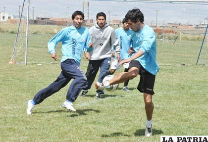 Ferrufino, Saucedo y Andrada, jugadores de San José