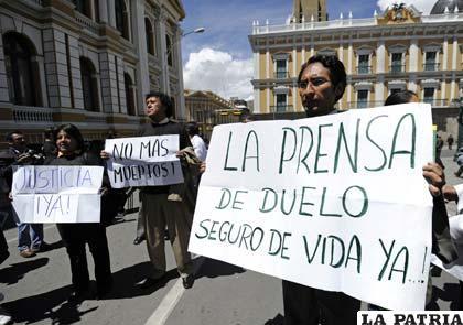 Periodistas protestan contra la inseguridad ciudadana
