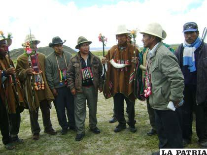 Comunarios deliberan en Quillacas