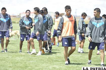 El equipo de San José entrenó ayer en su propia cancha