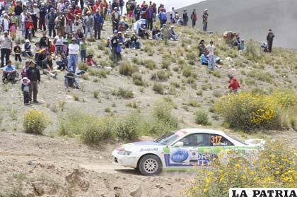 Bastante gente disfrutó de la competencia de automovilismo