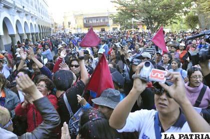 Ciudadanos felices porque hicieron respetar la historia de Oruro