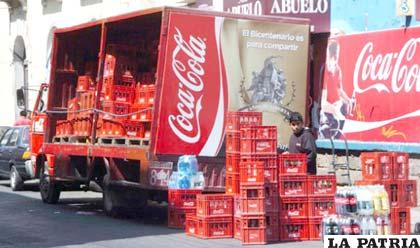 Uno de los camiones distribuidores de Coca-Cola