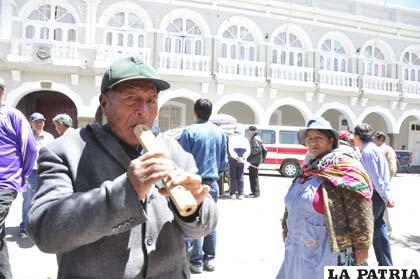 La música autóctona no faltó en la jornada de celebración