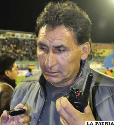 Carlos Barahona es uno de los extranjeros en San José