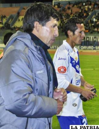 Mario Parrado dirigió a San José por la suspensión de Ferrufino