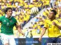 Martins y García disputan el balón