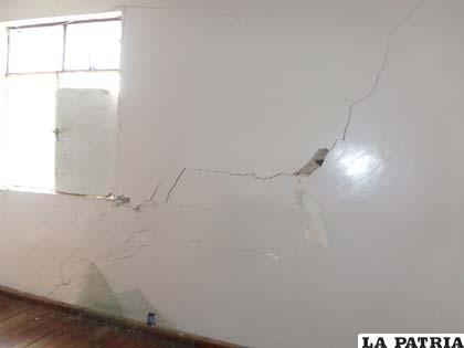 En el Hospital General, paredes se rajan, ventanas se quiebran y puertas se desnivelan