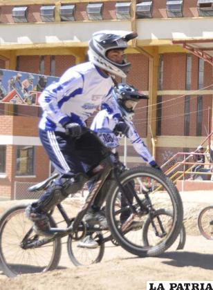 Vuelve la emoción del bicicross