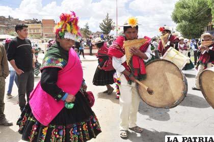 La fiesta de Tentaciones se trasladó a la ciudad con la Jacha Anata y las comparsas