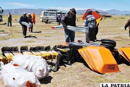 Entregan material para construcción de atajados para mitigar la contaminación