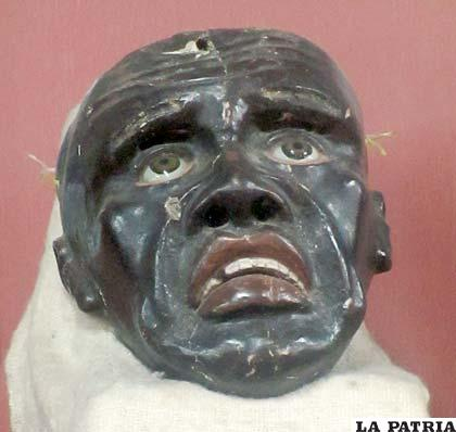Máscara de moreno de 1875