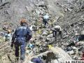 Personal de rescate continúa en la búsqueda de restos de las víctimas del siniestro aéreo