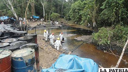 El petróleo derramado afectó a comunidades peruanas