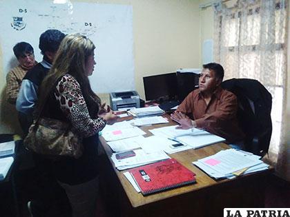 Concejales y asesor técnico en discrepancias por documentación del paso a desnivel