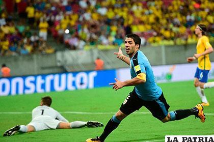 Luis Suárez anotó el gol del empate al inicio del segundo tiempo